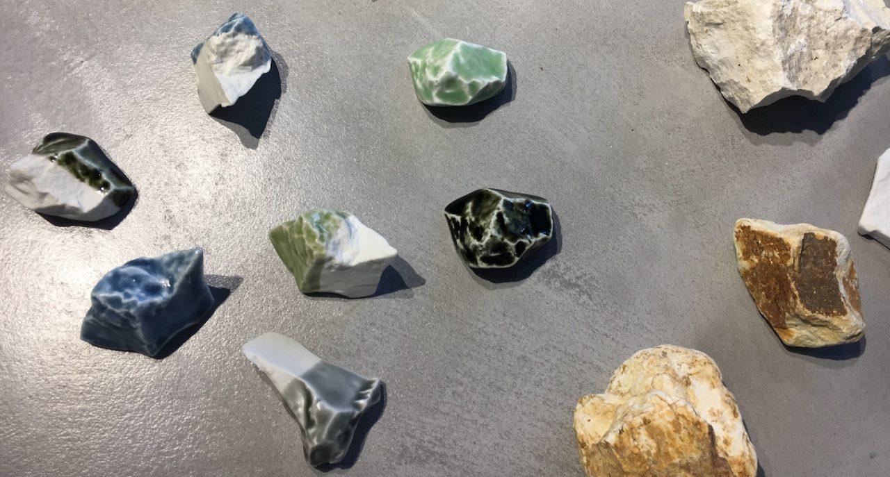 TOUSEKI試作品と陶石(原石)
